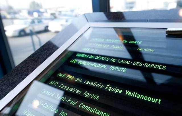 L'Unité permanente anticorruption (UPAC) a mené, le mardi 20 novembre 2012, en après-midi, une perquisition dans les bureaux du PRO des Lavallois, le défunt parti du maire démissionnaire Gilles Vaillancourt.