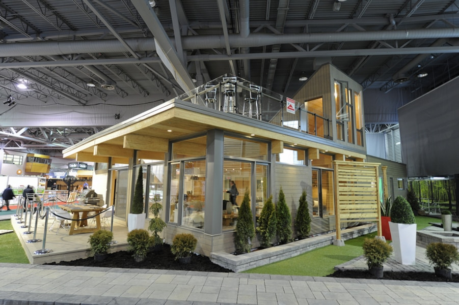 la maison en vedette au centre de foires jdq. Black Bedroom Furniture Sets. Home Design Ideas