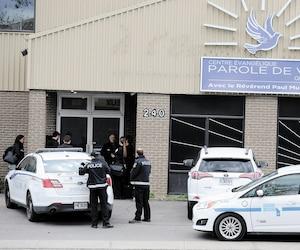 Revenu Québec a affectué une perquisition à l'église Parole de vie du boulevard Pierre-Bertrand, à Québec, hier. Des policiers du SPVQ étaient aussi sur place. La résidence du pasteur Paul Mukendi a également été perquisitionnée.