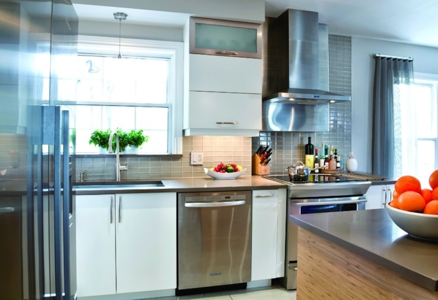 La cuisine revue et corrig e le journal de montr al - Hotte de cuisine montreal ...