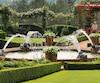 Des jardins d'eau aussi au domaine d'Eyrignac.