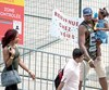 Les migrants au Stade Olympique
