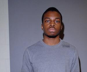 Randy Tshilumba a dit être convaincu d'avoir bien agi en tuant une employée d'un Maxi sur son lieu de travail, ce qui ne l'a pas empêché de fuir les lieux en courant.