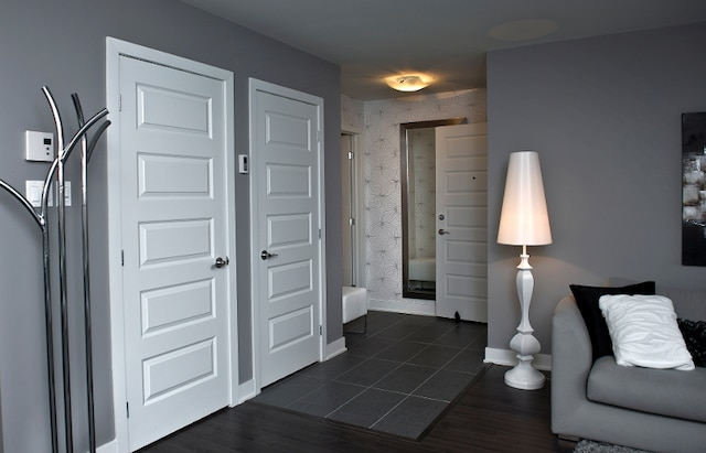 quand le chic se fait abordable le journal de montr al. Black Bedroom Furniture Sets. Home Design Ideas