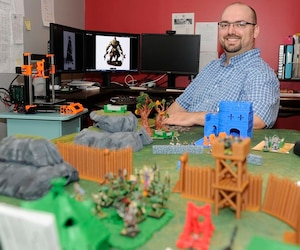 Mathieu Marchand a travaillé comme économiste au gouvernement fédéral avant de se lancer dans la conception d'un jeu.
