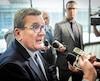 Le maire de Québec, Régis Labeaume, a convenu mardi que les coûts réels d'un projet sur rails peuvent dépasser les projections initiales.