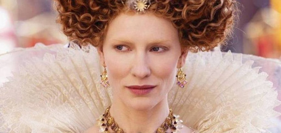 Cate Blanchett dans Elizabeth: L'âge d'or.