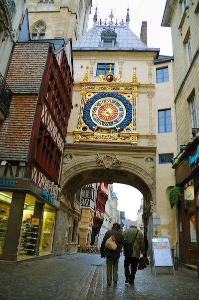 La belle  horloge  astronomique  du XIVe siècle
