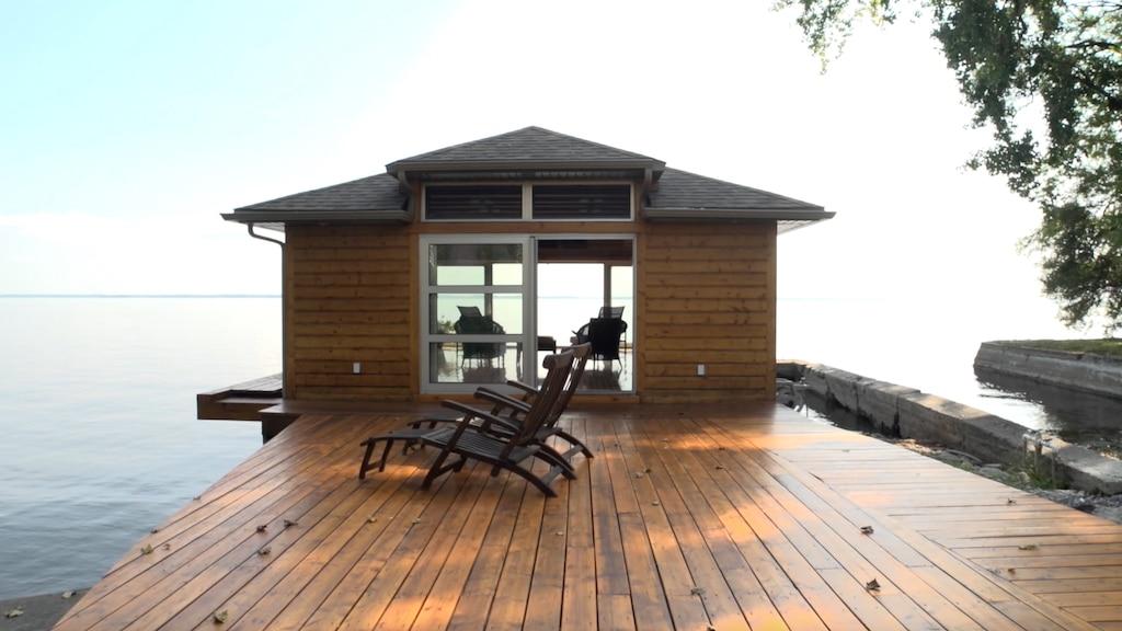 [VIDÉO] Charmante maison au bord de l'eau à Pointe-Claire