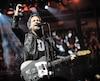 Pearl Jam a choisi de faire équipe avec Ticketmaster afin de mener la vie dure aux revendeurs en vue de sa tournée du printemps qui s'arrêtera au Centre Vidéotron, le 22 mars.