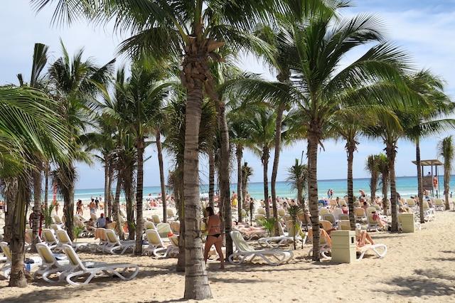 Une chose qui ne change pas: la plage de sable fin donnant sur la mer turquoise!