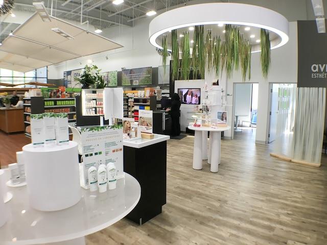 Le Supermarché Avril a ouvert ses portes à Lebourgneuf mercredi matin.