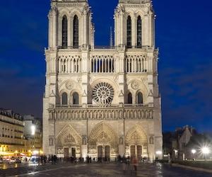Kathedrale Notre Dame in Paris zur Blauen Stunde