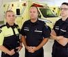 Les paramédics Gabriel Lévesque, Pier-Luc Croteau et Dominik Goupil dénoncent le manque d'ambulances à Lévis.
