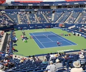 Les gradins autour du court central du Centre Aviva étaient clairsemés malgré la présence de Venus Williams sur le terrain.