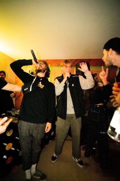 Le rappeur Willygram (à droite)