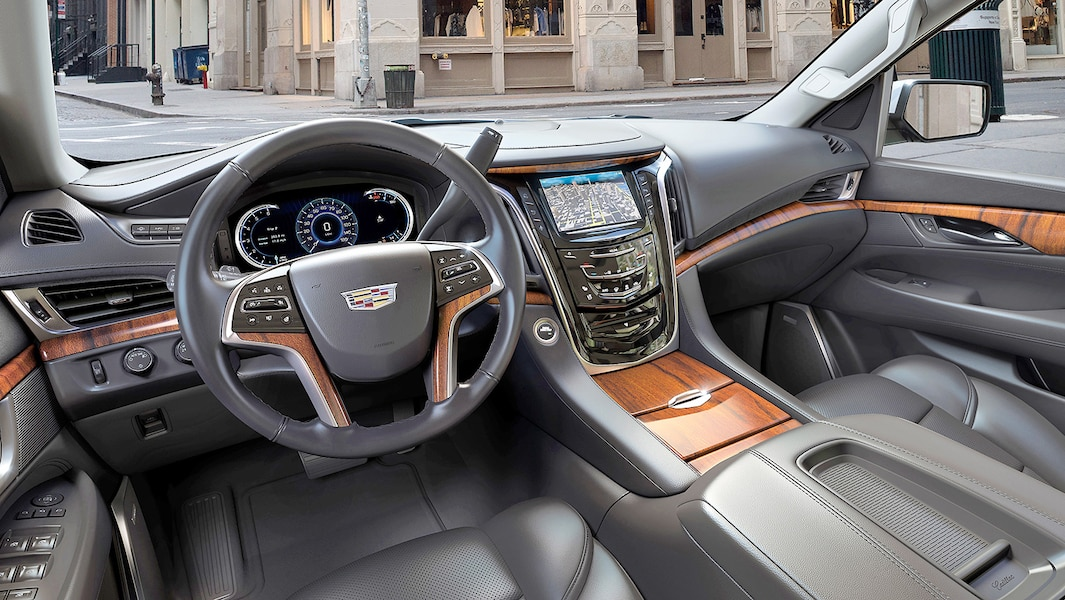 Cadillac escalade luxe et prestige en format xl jdq for Escalade interieur quebec
