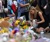 Il faut dire que les Occidentaux sont tentés par un pacifisme démissionnaire.On les attaque? Ils répondent en allumant des bougies, en déposant des fleurs.