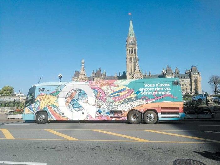 La caravane électorale du Parti québécois s'est arrêtée devant le parlement hier à Ottawa.