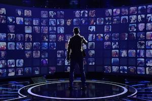 <i>Rising Star</i> mise sur l'interactivité en invitant ses téléspectateurs à remplacer les habituels professionnels jugeant les chanteurs amateurs. Malgré tout, l'émission comporte un panel de trois juges au pedigree nettement inférieur à celui des autres concours de chant télévisés comme <i>The Voice</i> et <i>American Idol</i>.
