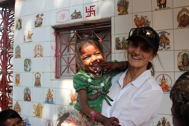 Rachel Lapierre soigne les familles de la rue en Inde et ailleurs dans le monde avec son organisme Book Humanitaire.