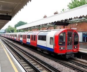 Bombardier a décroché un contrat d'une valeur de 143,7 millions $ CAN avec la London Underground Limited en Angleterre pour fournir les nouveaux moteurs et équipement de contrôle de traction pour le Central Line du métro de Londres.