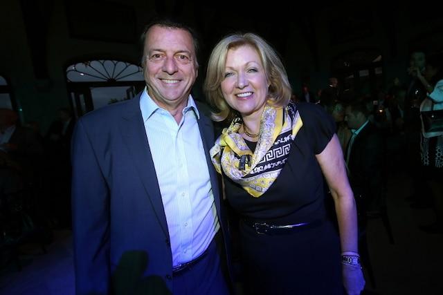 Jean-Luc Mongrain et sa femme, Lynda Durand, lors de la Soirée-bal pour l'association des enfants handicapés.