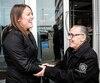 Patricia Poirier et Jean-Yves Marcoux se rencontraient pour la toute première fois vendredi dernier, un an, presque jour pour jour, après que la jeune femme lui eut sauvé la vie. MmePoirier pourrait d'ailleurs recevoir une citation d'honneur du Service de police de la Ville de Québec (SPVQ) pour son geste héroïque.