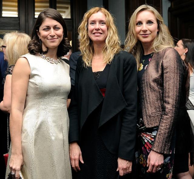 La conseillère municipale Julie Lemieux (centre) était accompagnée vendredi par deux amies, Olga Farman et Julie-Anne Vien.