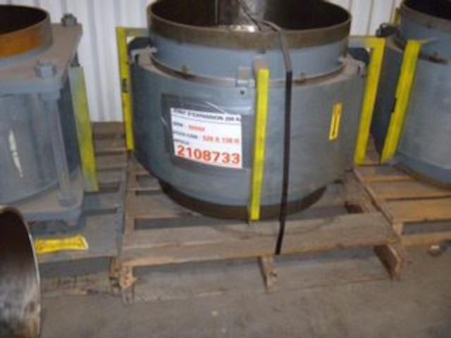 On ne sait pas combien Hydro-Québec a payé ces équipements de qualité nucléaire qui étaient destinés à sa centrale Gentilly-2, mais chose certaine, ils ont été vendus pour 68 000 $ la semaine dernièere, une infime fraction de leur valeur d'origine et peut-être même de la valeur du métal de haute qualité, selon des férailleurs qui n'ont pas eu la chance de soumissionner.