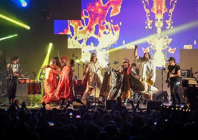Le groupe québécois Galaxie était la tête d'affiche du parc de la Francophonie, vendredi soir.