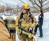 Le pompier de Blainville Benoît Desjardins était très apprécié de ses collègues. On le voit ici, au centre de la photo, lors d'une intervention en janvier 2017.Au cours de cette même année, il a été blessé sérieusement en combattant un incendie.