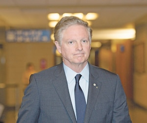 L'homme d'affaires québécois Paul Desmarais Jr aurait été «troublé» par les prétendus liens entre le cimentier Lafarge et l'État islamique, selon le magazine Challenges.