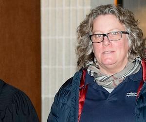 Chantal Racette, entourée de ses avocats au palais de justice de Montréal hier, n'a pas voulu commenter sa condamnation.