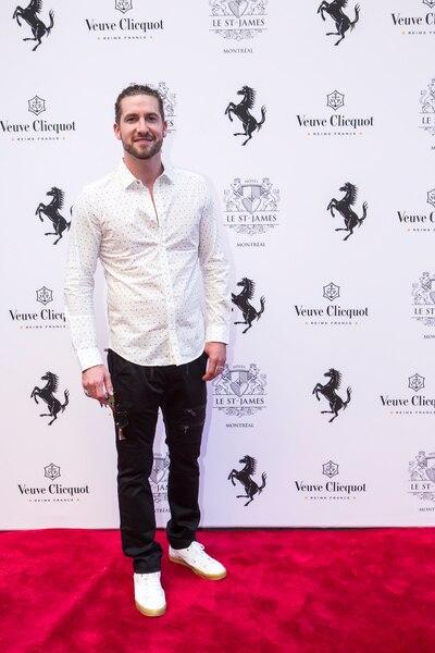 Jonas lors de la soirée Ferrari à l'Hôtel St-James.