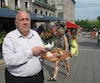 Jean-Marc Lavoie, du Jardin Nelson, ne veult pas jongler entre les touristes, assiettes pleines dans les mains, pour servir les clients.