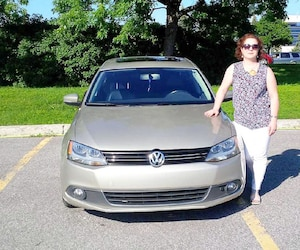 Isabelle Martin, de Gatineau, est soulagée de savoir qu'elle recevra quelques milliers de dollars de plus en compensation pour sa Volkswagen. La dame affirme que les procédures ont été très longues avant qu'elle puisse l'échanger.