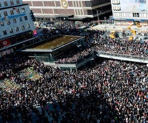Des dizaines de milliers de personnes ont participé à la « manifestation pour l'amour » dimanche dans le centre-ville de Stockholm.