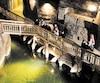 Les visiteurs, qui sont plus d'un million chaque année, peuvent découvrir la mine de différentes façons: l'itinéraire classique, une visite de nuit en pèlerinage, une visite gastronomique ou encore une aventure d'exploration.