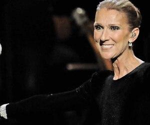 Céline Dion, accompagnée de Scott Price, son directeur musical, au concert-hommage à Aretha Franklin.