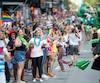 Des milliers de personnes ont participé au défilé de Fierté Montréal l'an dernier.