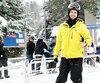 Olivier Bujeau, de Saint-Jérôme, aprofitéde la neigetombée vendredi pour aller dévaler les pentes du mont Saint-Sauveur, ouvert depuis le 26 octobre. Pour le quatrièmeweek-end d'opération, les amateurs devraient pouvoir emprunter six pistes différentes.
