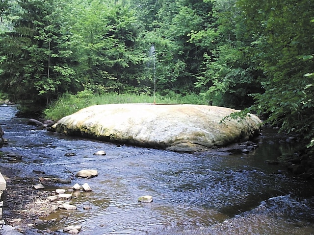 Jaillissant comme d'un percolateur, les sources de Saratoga Springs, déversent leurs eaux chargées de minéraux.
