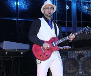 Jessy Alves Cloutier a sauté dans l'avion sans jamais regarder derrière lui, il y a quatre ans, pour réaliser son rêve de vivre de sa musique.