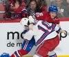 Combat de Andrew Shaw contre J.T. Miller lors de la première période du match des Canadiens de Montréal et les Rangers de New York au Centre Bell. Montréal, 14 janvier 2017.
