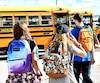 Les élèves de la commission scolaire De La Jonquière étaient déjà de retour en classe, lundi. Les milliers d'autres élèves de la région les imiteront à partir de mardi.