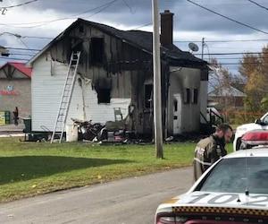 Hier, un incendie a coûté la vile à Isabelle Tremblay, 40 ans, son fils Philipe Lepage, 14 ans, et à la copine de celui-ci, Laurence LeBrasseur, 14 ans, à Saint-Siméon-de-Bonaventure, en Gaspésie.