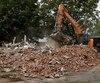 La maison Déry est tombée sous le pic des démolisseurs lundi.