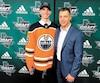 Olivier Rodrigue et son père, Sylvain, étaient tout sourire samedi soir à Dallas lorsqu'ils ont appris qu'ils travailleraient ensemble avec les Oilers d'Edmonton.