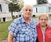 Muguette Corriveau et sa voisine Marie-Marthe Bélanger s'attendent à devoir démolir leurs maisons modulaires.